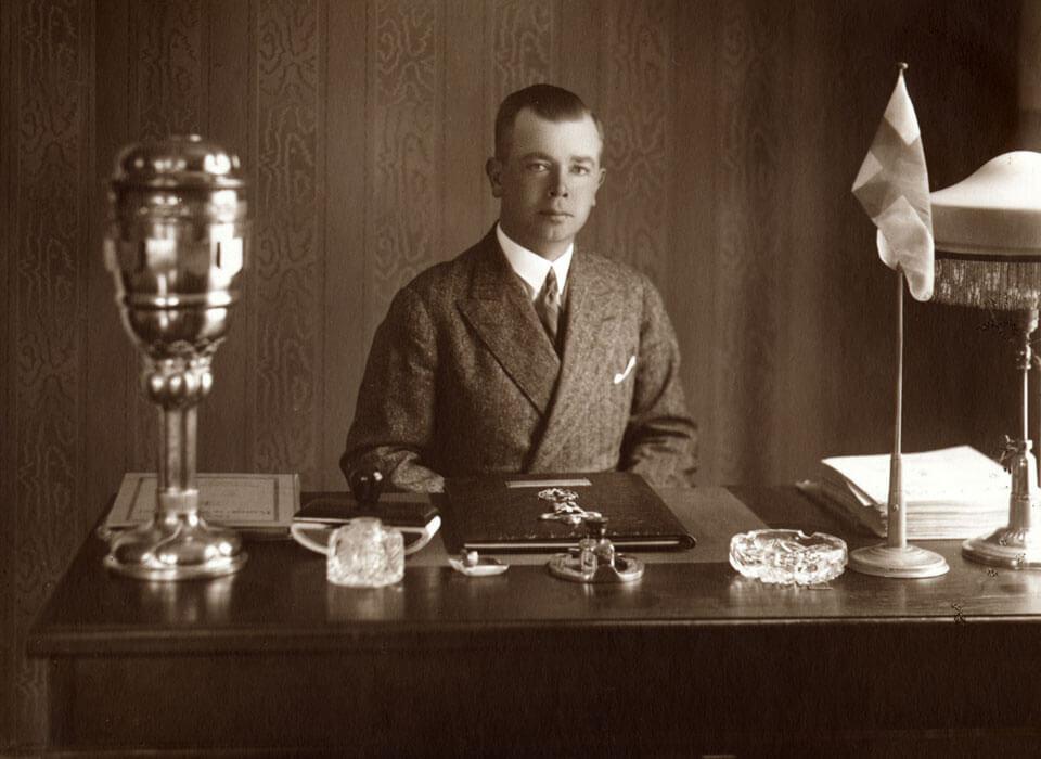 Roman Tavast oma kabinetis 1930ndatel