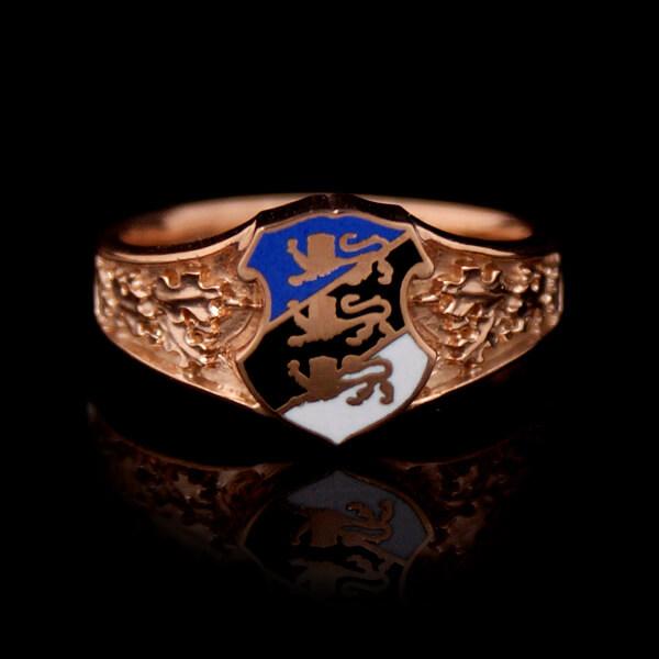 Kullast Eesti vapiga sõrmus